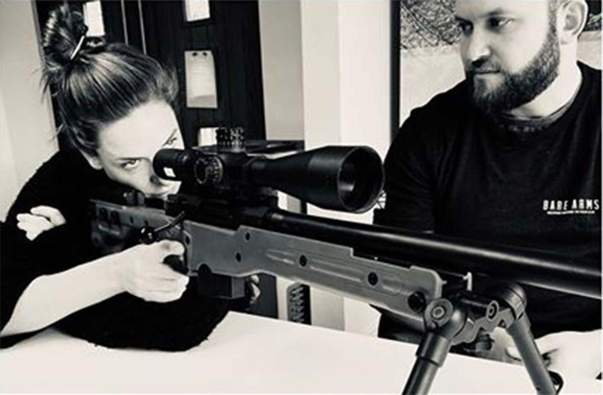 Rebecca Ferguson practica como francotiradora para Misión Imposible 7