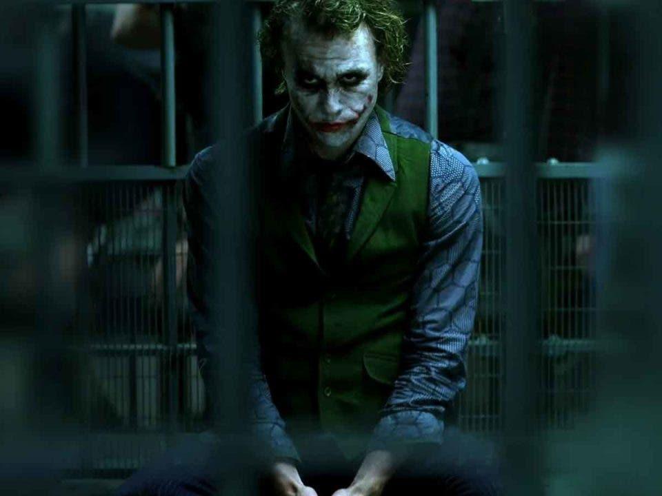 Warner Bros quería incluir la historia de origen del Joker en El Caballero Oscuro (2008)