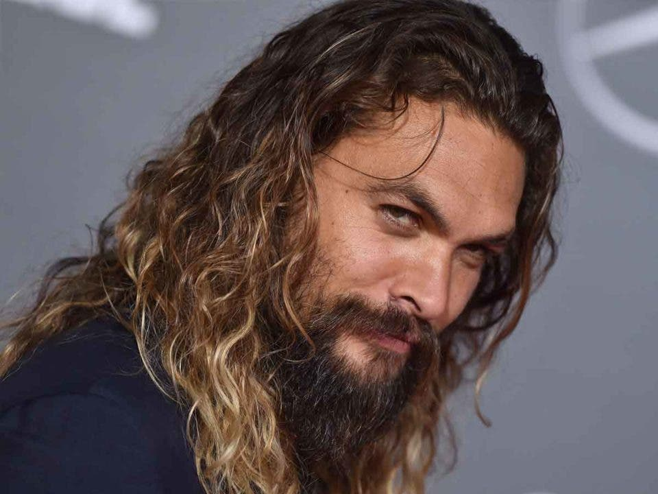 Jason Momoa está buscando un papel en la serie The Witcher