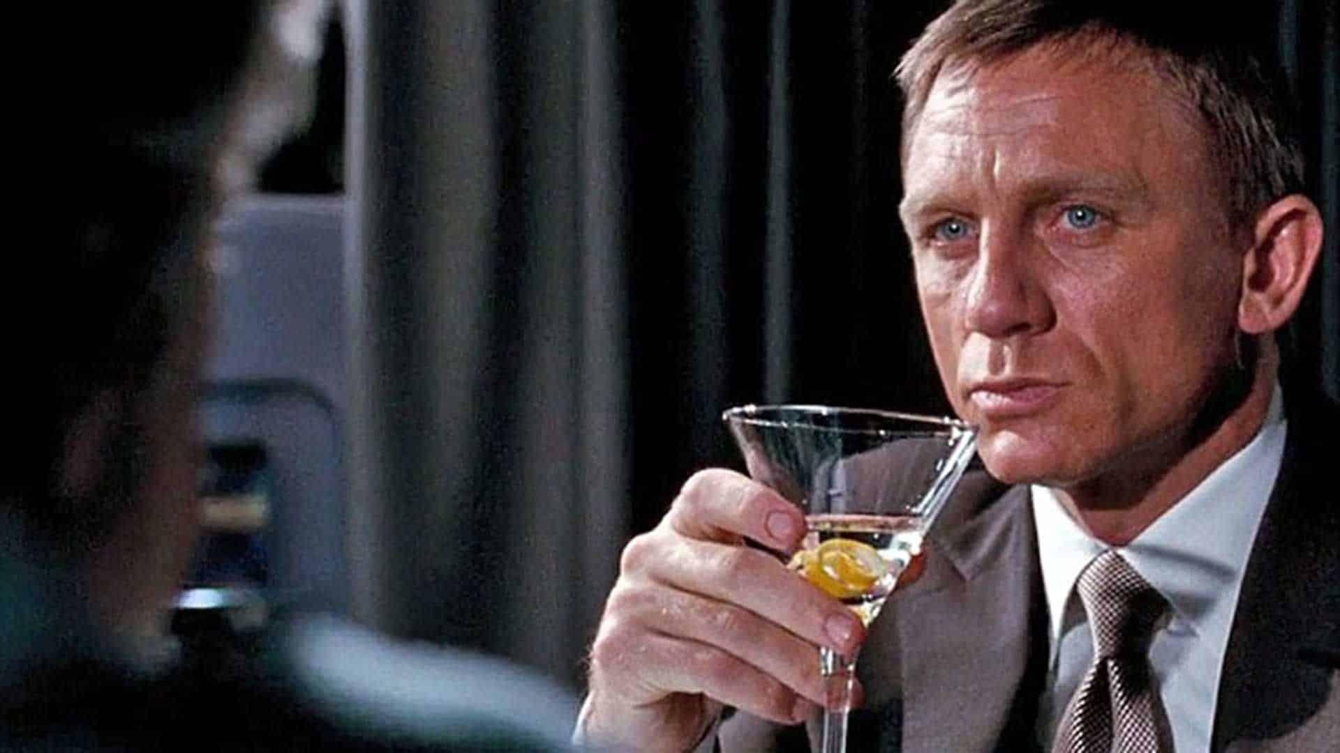Cócteles de cine bond vesper martini