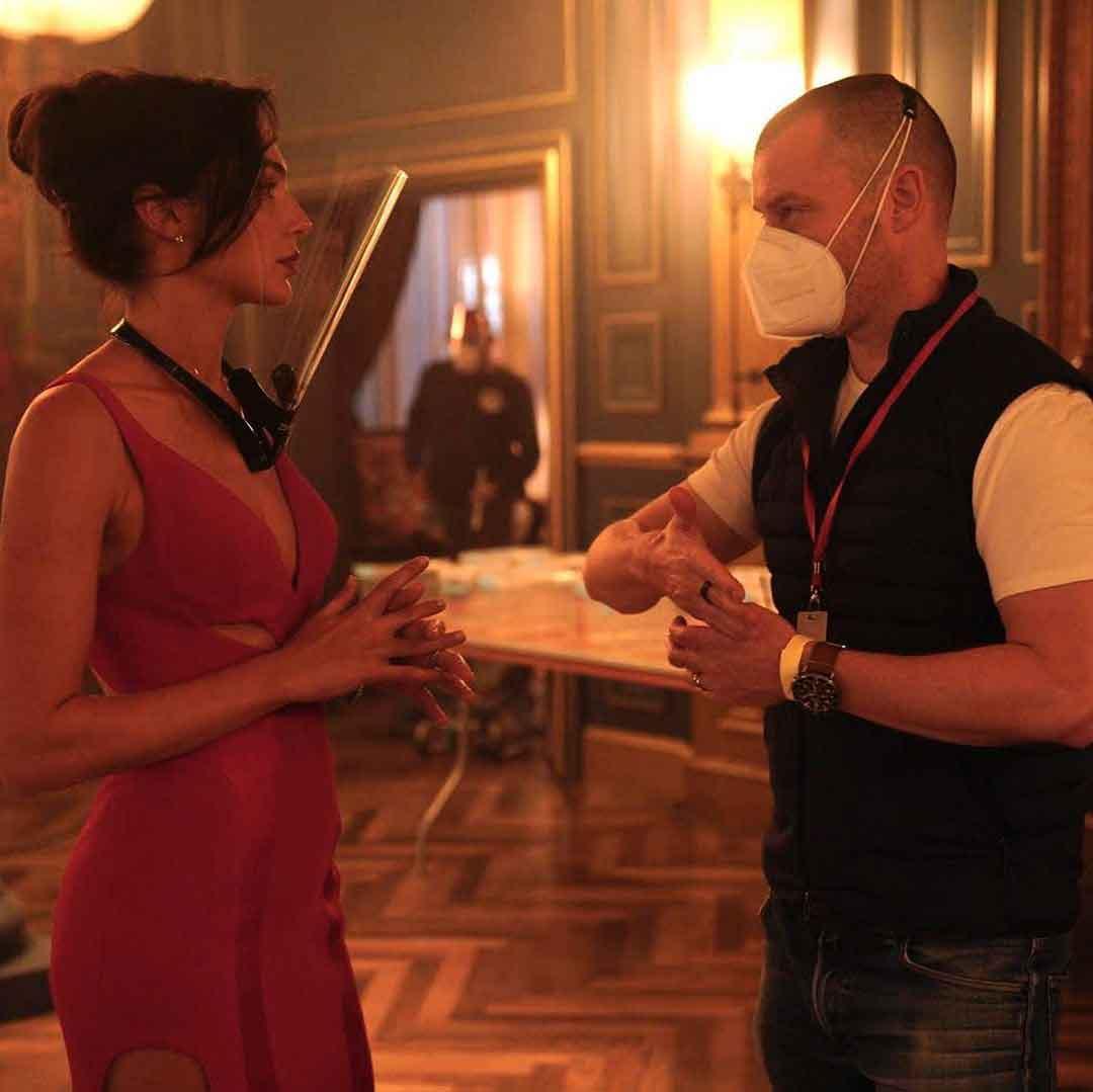 Gal Gadot comparte un montón de fotos de la película Red Notice de Netflix
