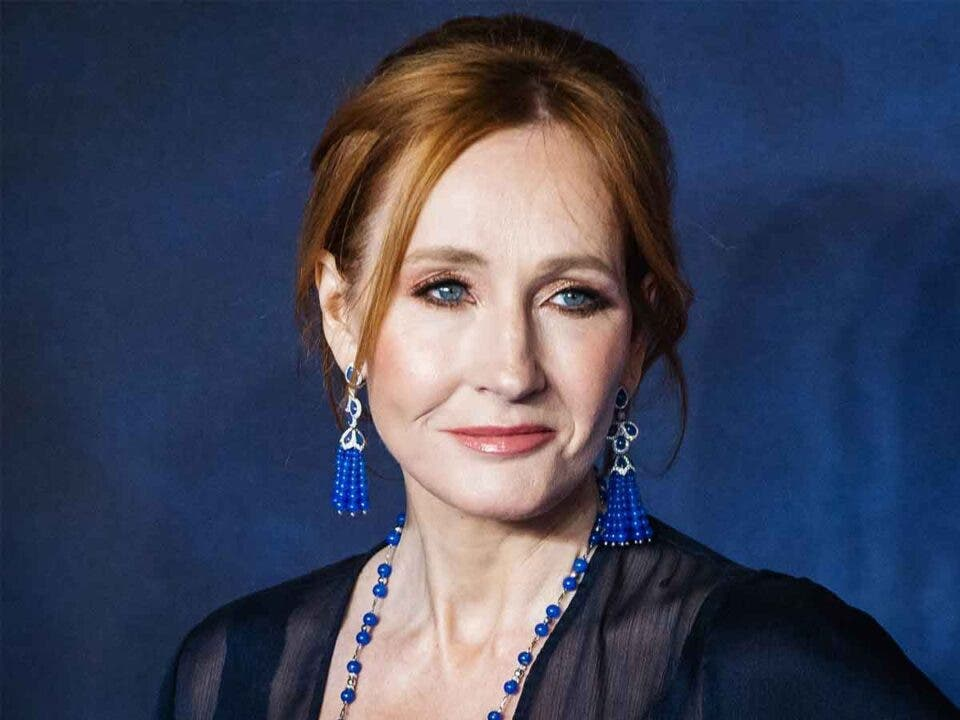 JK Rowling continua con la polémica contra los transgénero