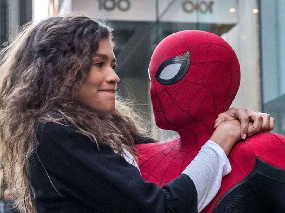 """Zendaya """"huye de los extraterrestres"""" en Spider-Man 3"""