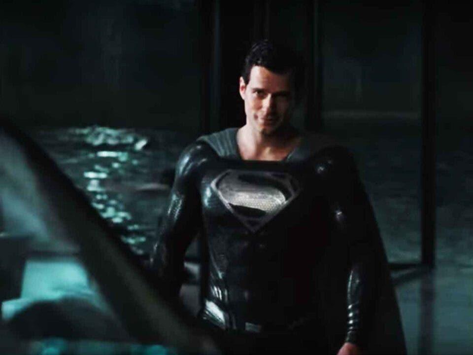 Clip de Superman con el traje negro en Liga de la Justicia en HD