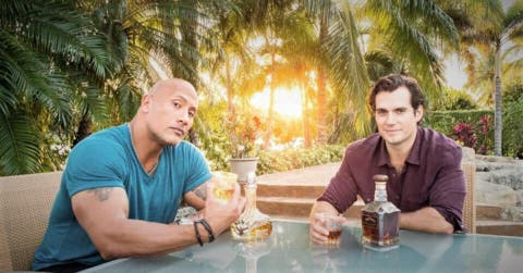 Dwayne Johnson produciría el regreso de Henry Cavill como Superman