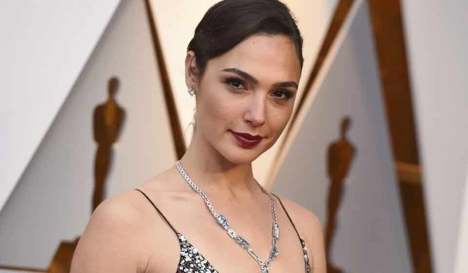"Gal Gadot announces a ""big"" draft"