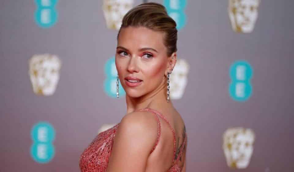 Scarlett Johansson pide cancelar a los Globos de Oro