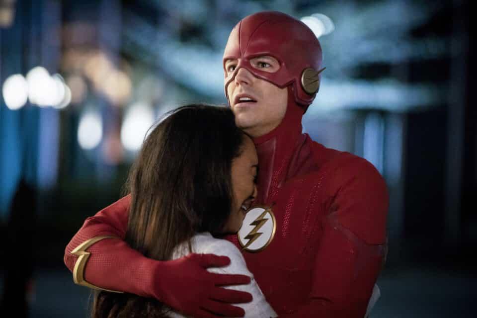 Flash, en medio a abandonos, consigue retener a algunas estrellas