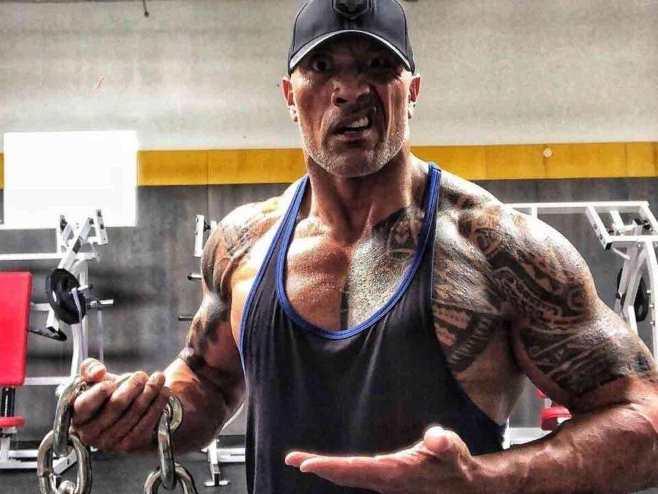 Dwayne Johnson revela cuanto peso levanta