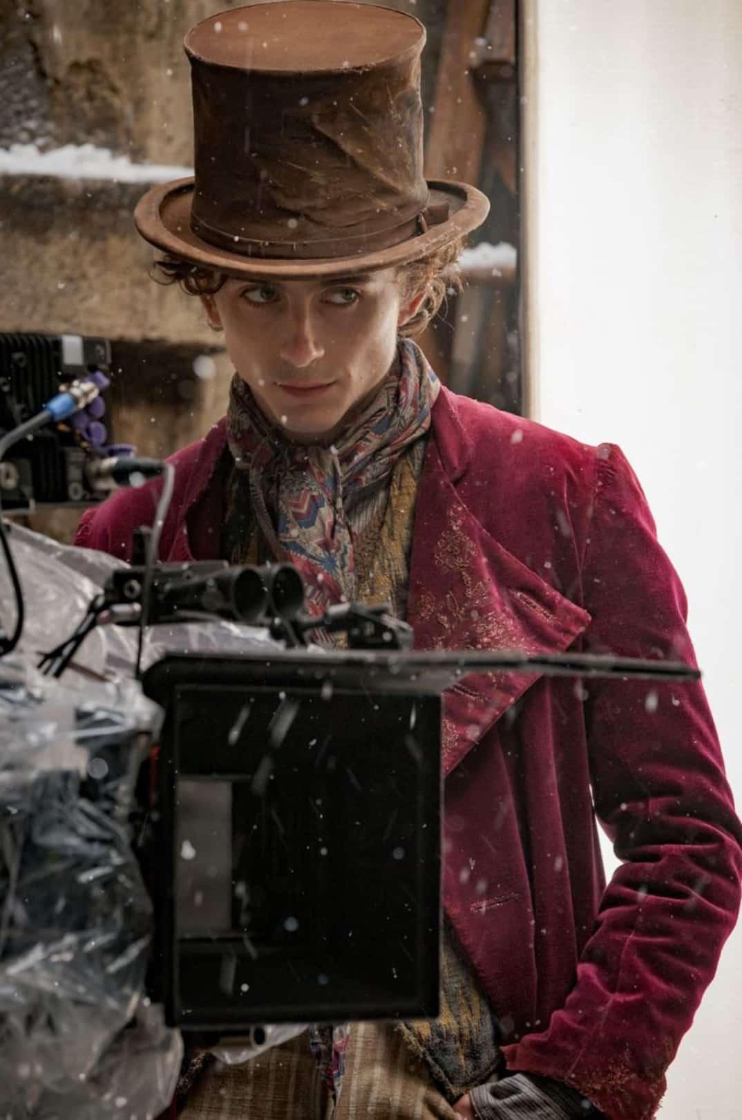 Revelan el look y reparto de precuela de Willy Wonka